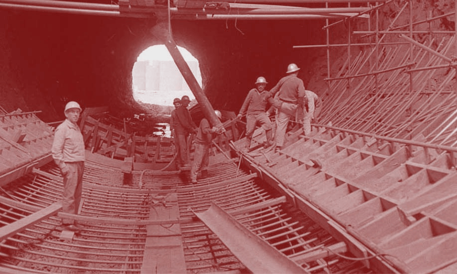 Obreros en la construcción de El Chocón (1969).